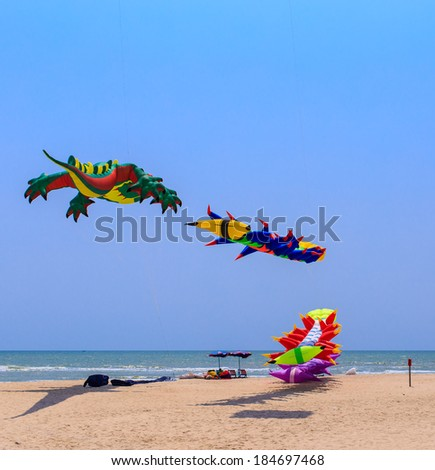 CHA- AM  BEACH - MARCH 9: 15th Thailand International Kite Festival on March 9, 2014 in Cha- Am beach, Phetchaburi  province  Thailand - stock photo