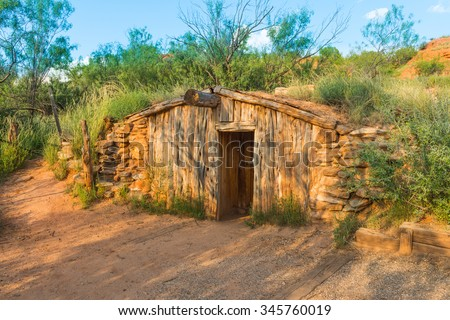 Charles goodnights original dugout cabin palo stock photo for Cabins near palo duro canyon state park