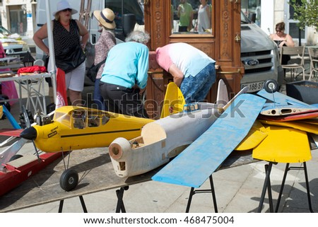 CHARTRES, FRANCE - AUGUST 14: R. V. Flea Market that takes place every 15 days, in the city August 14, 2016