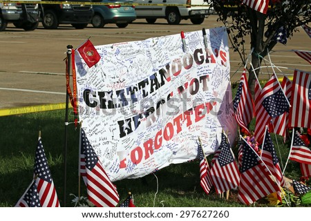 CHATTANOOGA, TN/USA - JULY 18: A makeshift memorial at the Armed Forces Career Center in Chattanooga, TN on July 18, 2015. An attack on the career center was carried out on July 16, 2015.