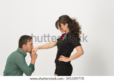 Cheater man is asking for forgiveness from his  confident girlfirend