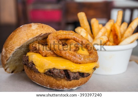 Cheeseburger with onion