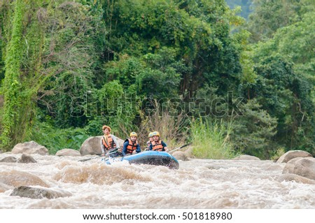 CHIANG MAI,THAILAND:21 OCTOBER 2016: White water rafting on the rapids of Maetaeng River.