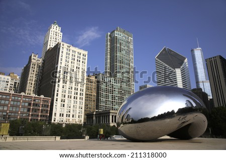 CHICAGO, ILLINOIS/USA-AUGUST 1ST 2014: Cloud Gate or The Bean as it appears on early morning august 1st 2014 in Millennium Park, Chicago, Illinois - stock photo