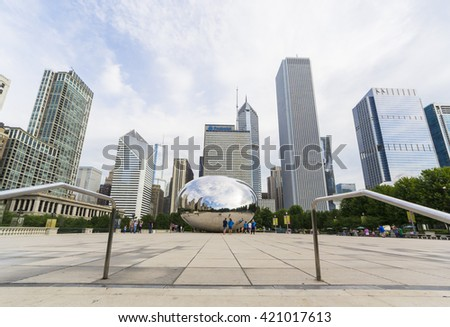"CHICAGO,USA-AUGUST 12,2013:view of the skyline of Chicago from millenium park near the famous monument ""clouds gate"""
