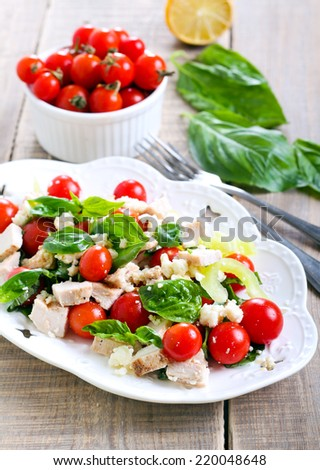 Chicken, tomato, basil and cheese salad