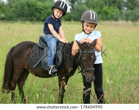 Children and the pony