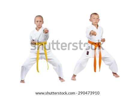 Children in rack kiba dachi are beating punch gyaku-tsuki