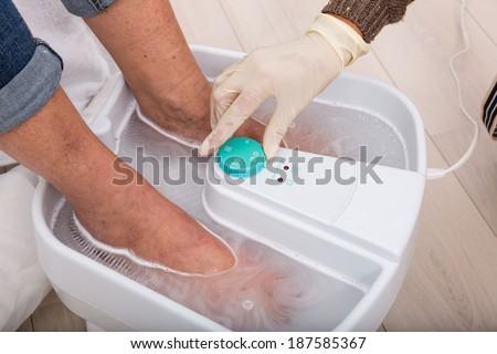 sự cắt chai chân
