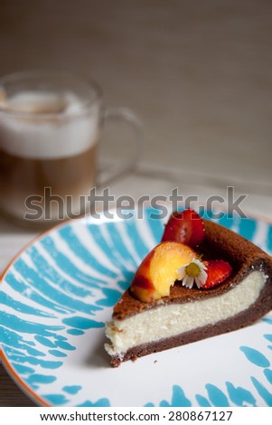Chocolate cheesecake with fruits