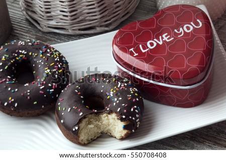 bánh rán chocolate cho Valentine hiện nay
