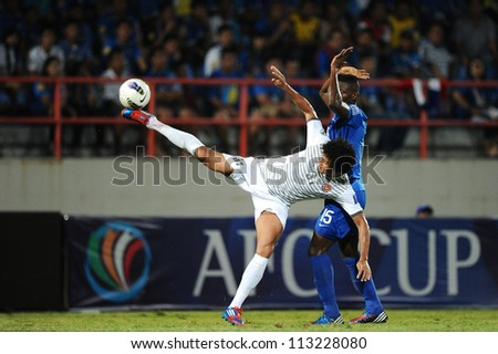 CHONBURI,THAILAND-SEP18:Geilson De.Soares (white) of Al Shorta (SYR) for the ball during the AFC CUP quarter finals between Chonburi fc.and Al Shorta(SYR)at Chonburi Stadium on Sep18,2012 in Thailand - stock photo
