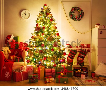 chrisrtmas tree in home interior