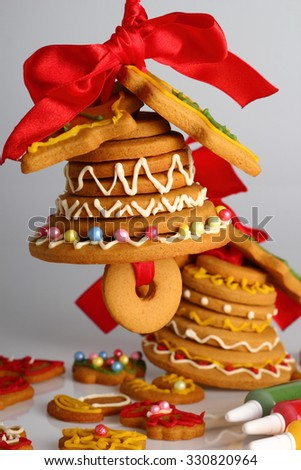 Christmas gingerbread bell and cookies