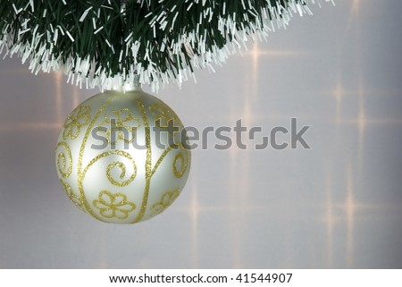 Christmas Tree Bauble with green decorative chain