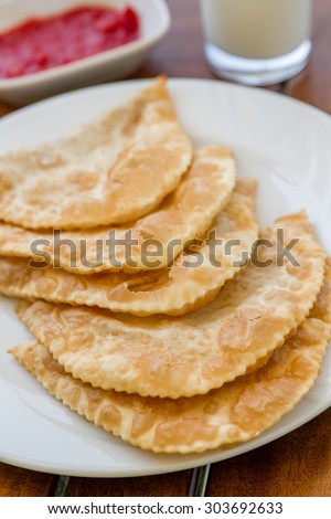 Cig borek or Tatar pie, Turkish meat pie fried in oil