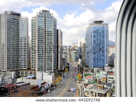 City center of Seoul, South Korea, with office buildings and traffic