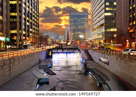 Cityscape of Seoul, South Korea at Cheonggyecheon Stream.