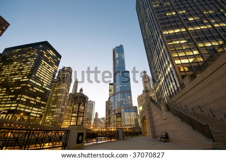 Cityscape view in Chicago at night