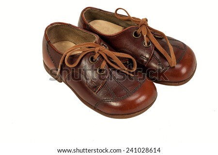 Classic brown male leather shoes: baby shoes