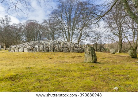 Clava Cairns, near Inverness, Scotland. 4000 year old Bronze Age burial chambers.