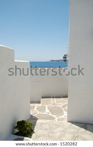 Clean architectural lines, absolute white, scorching sun, deep blue sea - that's cyclades