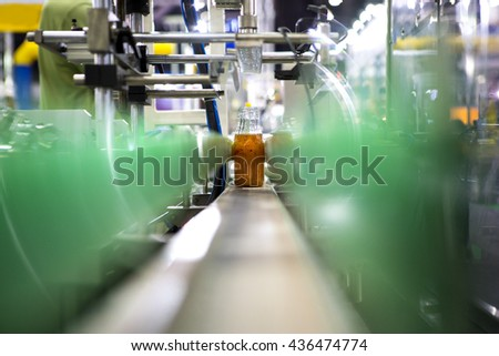 Clear Bottles transfer on Conveyor Belt System
