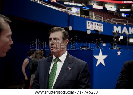 Cleveland Ohio, USA, 17th July, 2016 Paul Manafort Donald Trump's campaign manager on the floor of the Quicken Arena talking to reporters prior to the start of the Republican National Convention