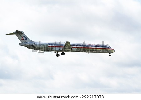 CLEVELAND, USA - JUNE 30, 2015: American Airlines McDonnell Douglas DC-9-82(MD-82) at Cleveland Hopkins International Airport.