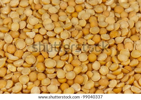 Close picture of the yellow peas.