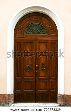 Close-up Image Of Wooden Ancient Italian Door & Closeup Image Wooden Ancient Italian Door Stock Photo 702778339 ...