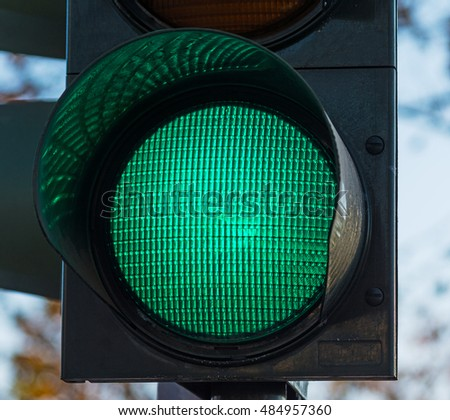 close up of a green traffic light