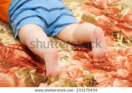 Close up of a newborn baby feet