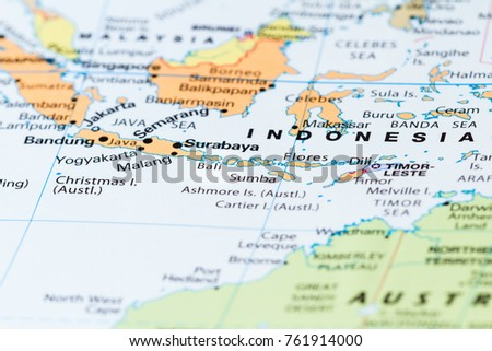 Close bali other south pacific islands stock photo 761914000 close up of bali and other south pacific islands on a world map gumiabroncs