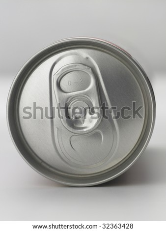 close up of the aluminum can on the plain color background