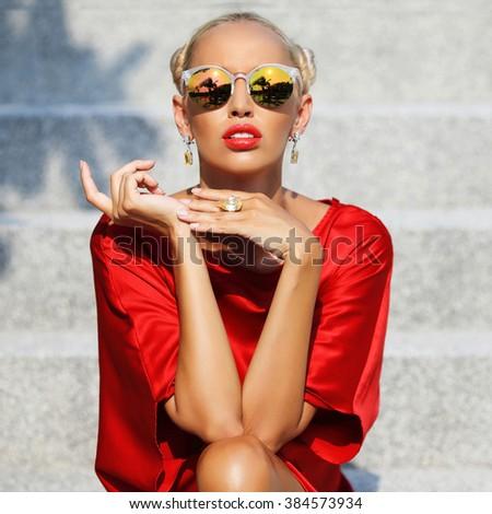 Closeup fashion beautiful woman portrait wearing sunglasses - stock photo