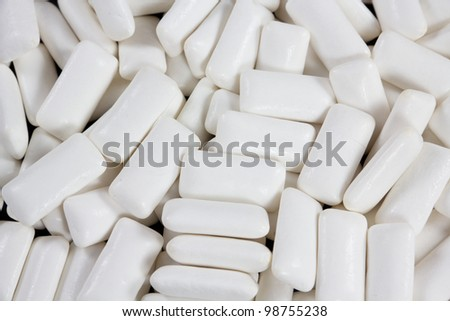 closeup picture of a bunch of white gums
