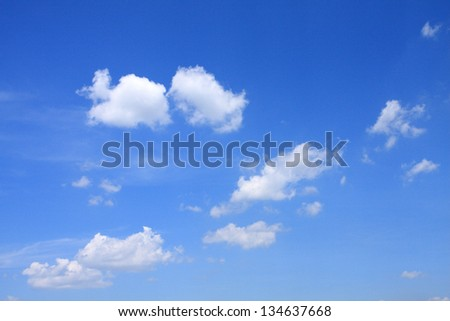 cloud in blue sky.