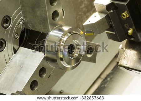 CNC lathe machining high precision automotive part