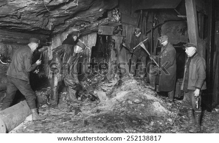Coal miners preparing to returned to work after the great strike, Scranton, PA 2/14/26.