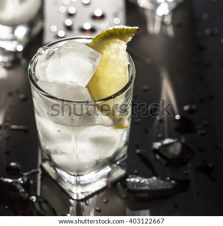 cocktail, alcohol, tequila, gin, vodka, ice, lemon, lime