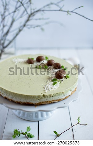coconut cheesecake with matcha tea