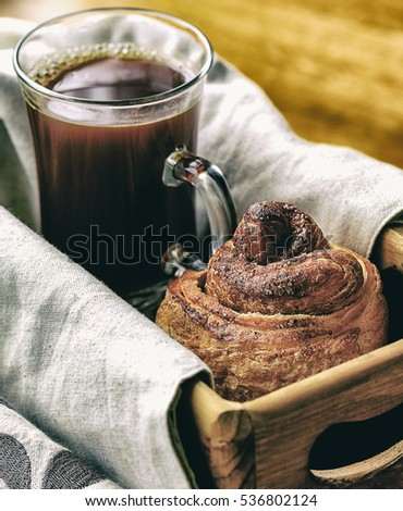 Coffee and apple cinnamon craffin (cinnabon) (mix of croissant and muffin)