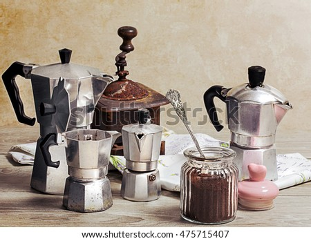 coffee powder with vintage coffee grinder and coffee maker