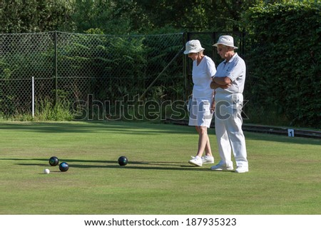 COLEMAN'S HATCH, SUSSEX/UK - JUNE 27 : Lawn bowls match at Colemans Hatch in Sussex on june 27, 2009. Unidentified people.