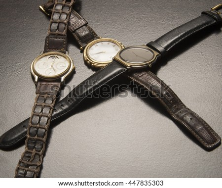 Collection of time pieces/Wrist Watches/Luxury chronometers with worn bands