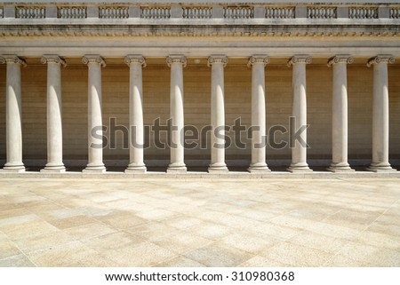 Colonnade, Pillars in retro style