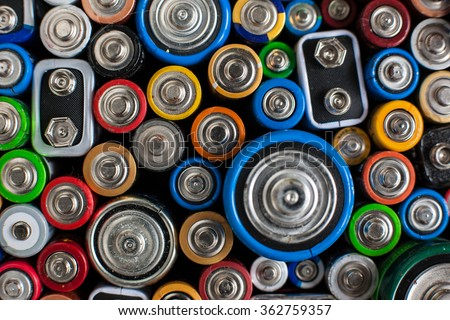 Color batteries of different sizes