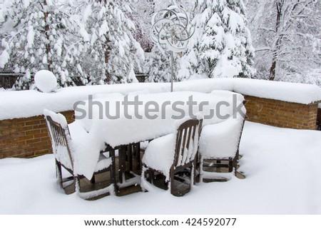 Colorado Spring Storm   Unpredictable Rocky Mountain Weather Drops Heavy  Snow In Denver, Covering Patio