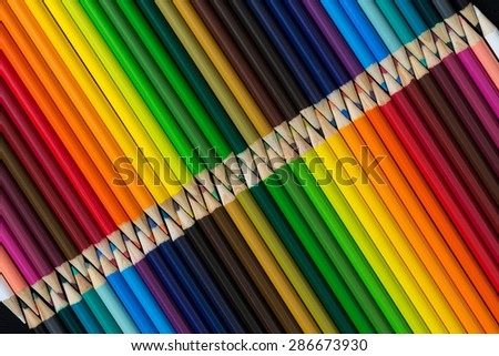 Colored pencils in diagonal
